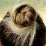 Acconciature per vestito a tubino: i consigli dell'hairstylist