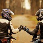 Idee regalo motociclista: consigli e novità